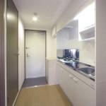 06-2-玄関キッチン403